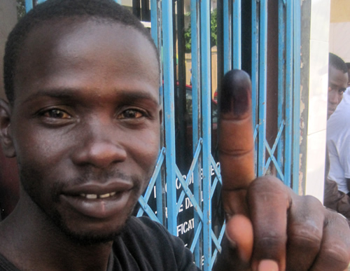 Post image for Guinea Calm, but Tense, following First Free and Democratic Elections
